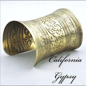 Bohemian Tibetan antique gold cuff✨